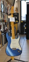 Fender FSR TRADITIONAL '50S STRATOCASTER WITH STRIPE LPB